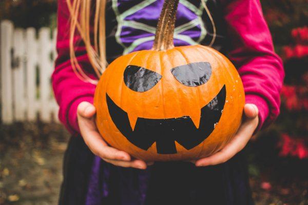 Halloween-pumpkin-children